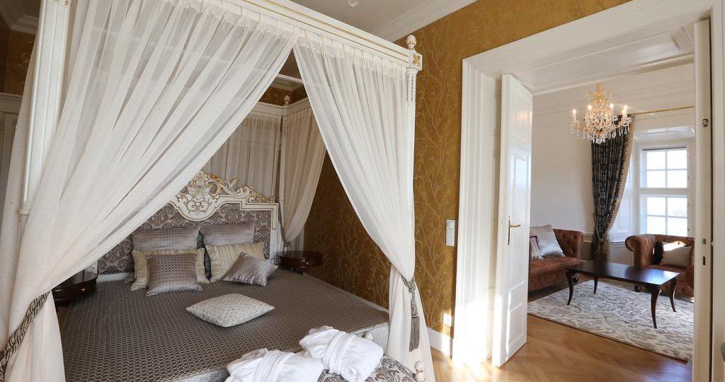 Schloss Schönbrunn Suite Himmelbett